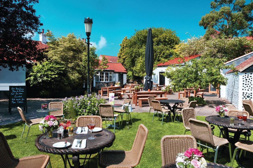 Punch Bowl Inn Beer Garden