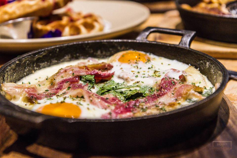 Craft and Dough Sheffield Bottomless Brunch bacon baked eggs