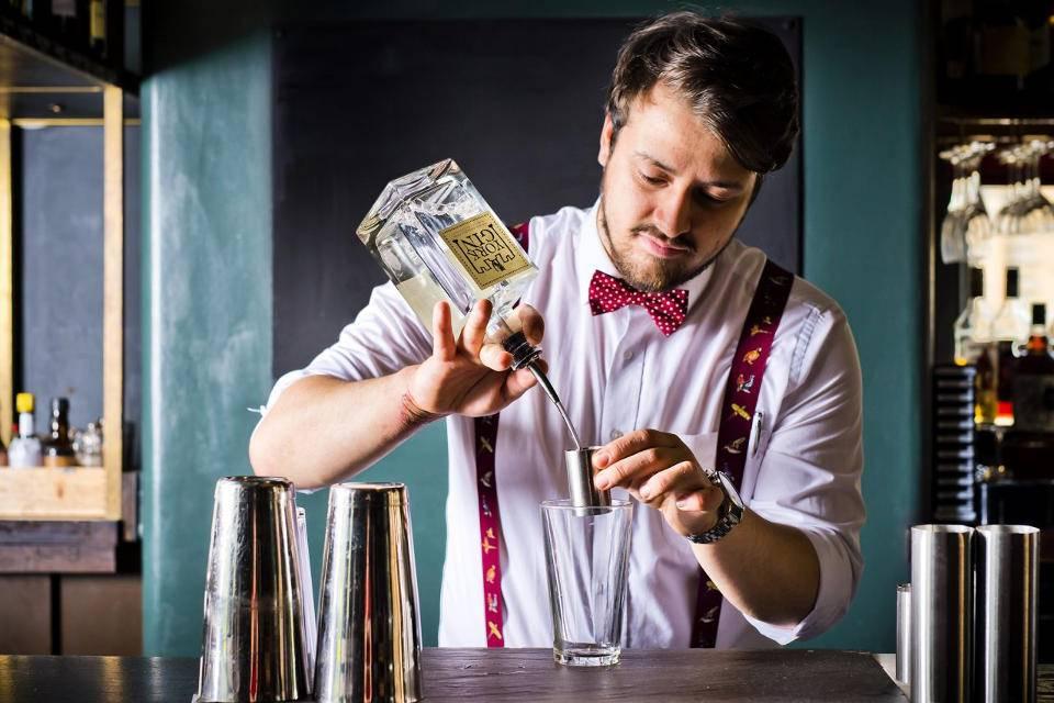 Gin Masterclass York cocktail making