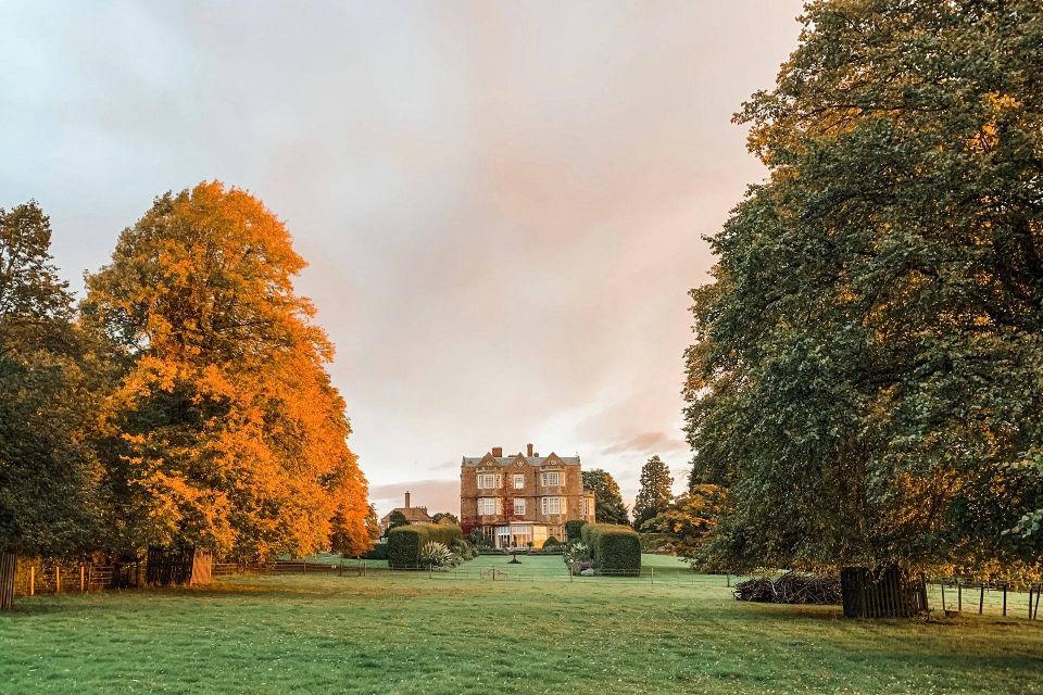 Goldsborough Hall Offer Autumn Exterior image