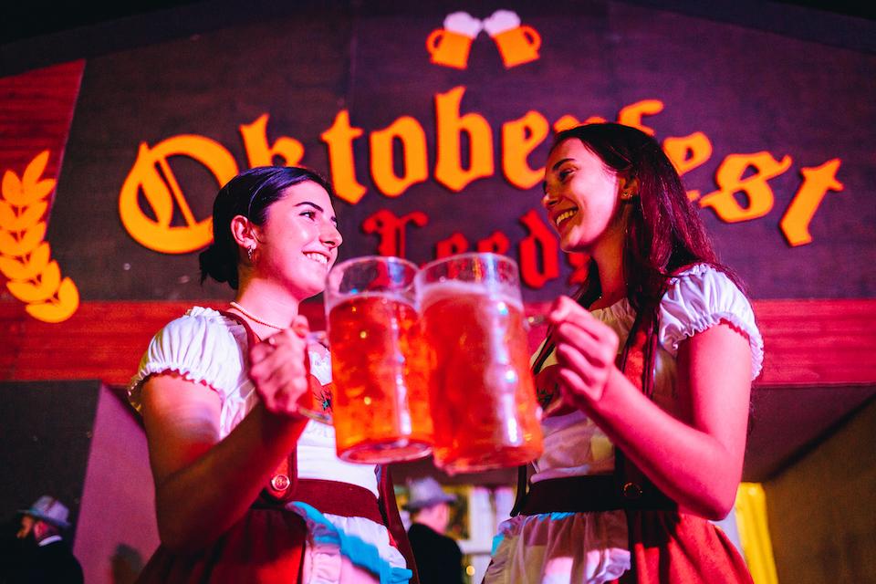Oktoberfest Leeds girls with steins