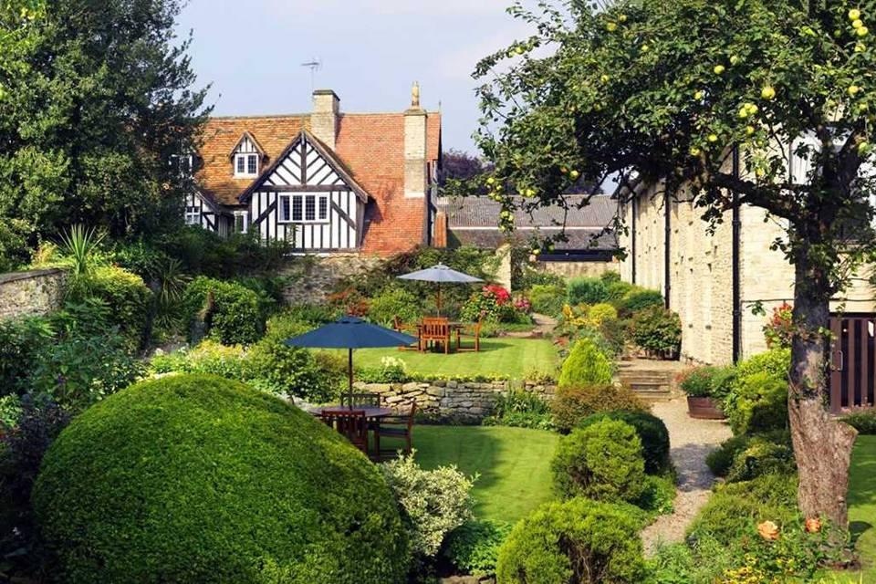 Black Swan Helmsley Hotel Gardens