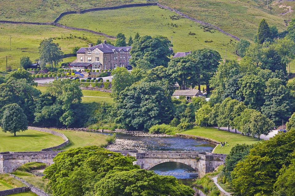 The Devonshire Fell Review exterior image boutique hotel in Yorkshire