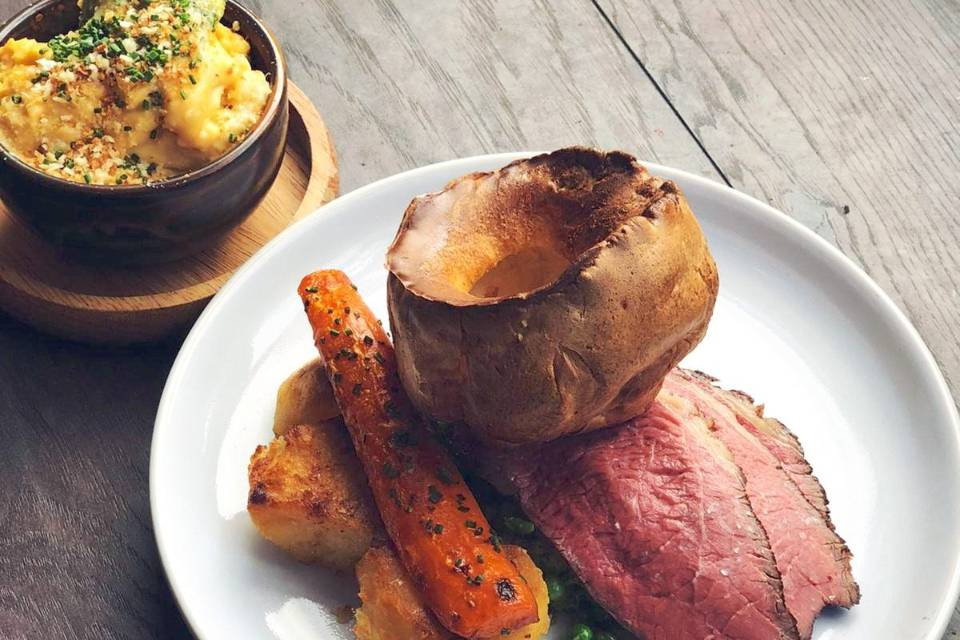 Three's A Crowd Harrogate Offer Sunday Roast Delivery Beef