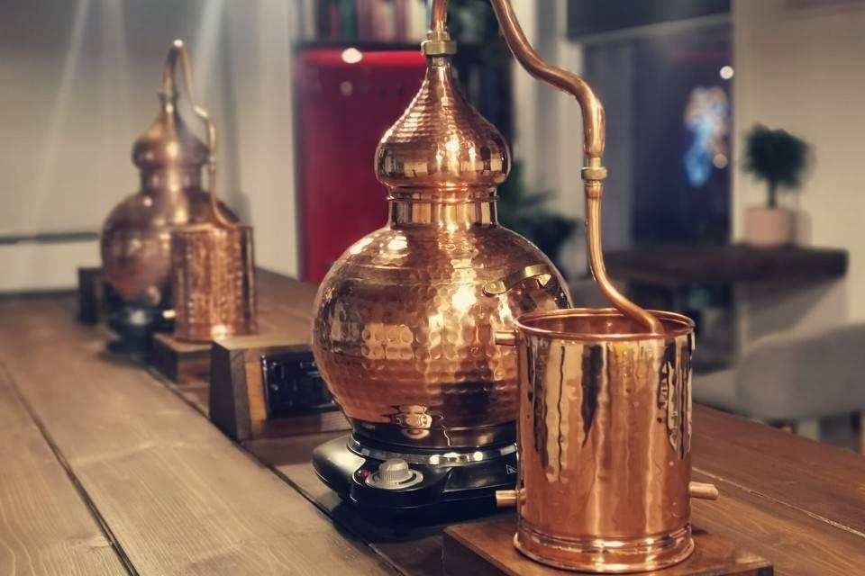 Liquor Studio Leeds Gin School distiller