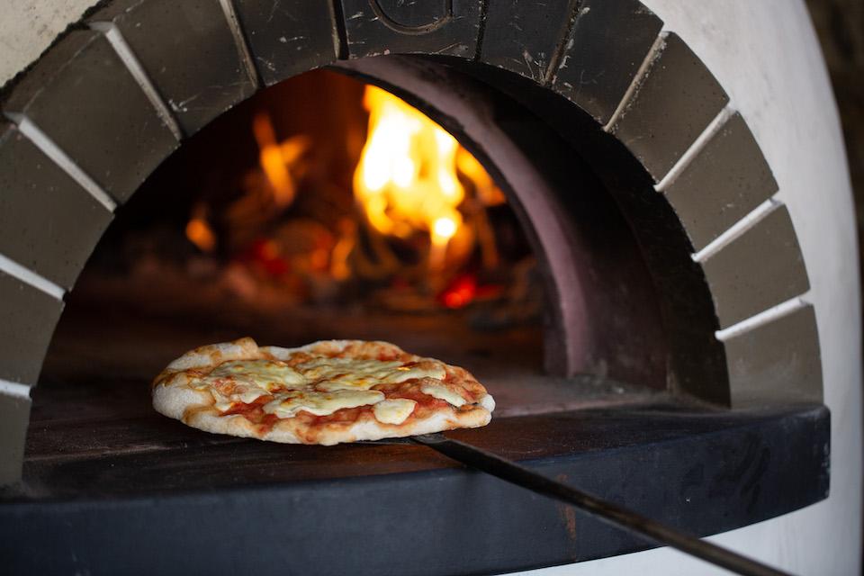 Black Bull Sedbergh Press Release - Pizza Oven
