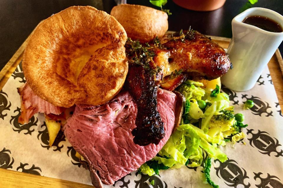 Graze Inn - Best Sunday roast in Sheffield