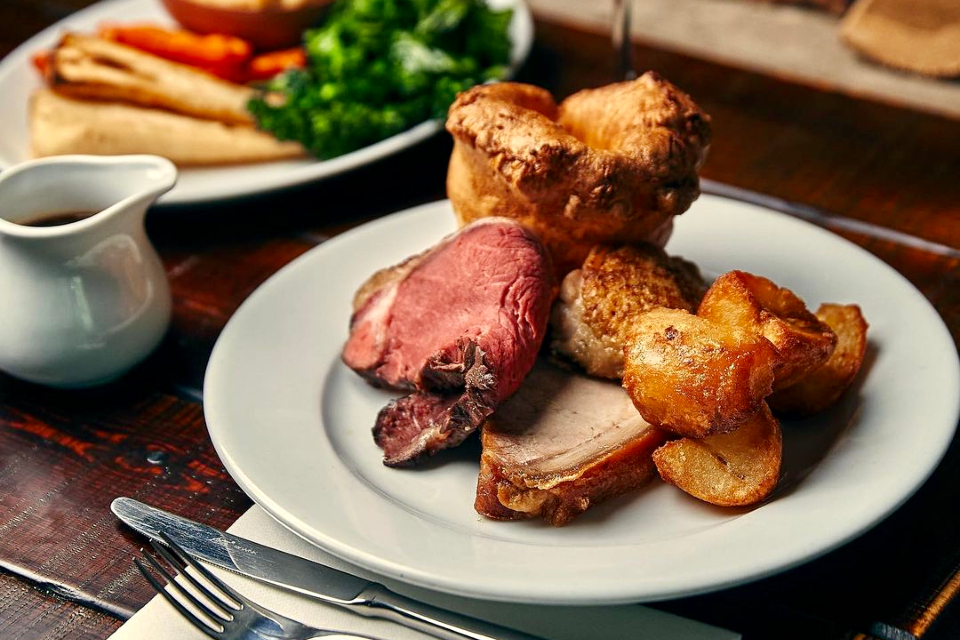 Beehive Sunday lunch