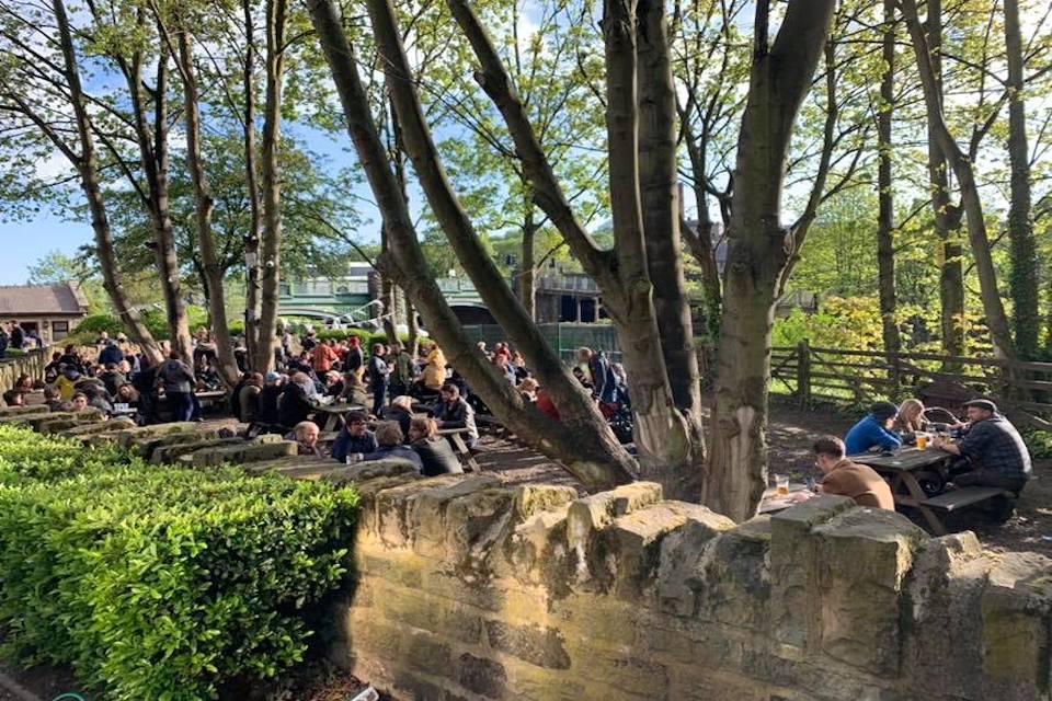 Kirkstall Bridge Inn - Best beer gardens in Leeds