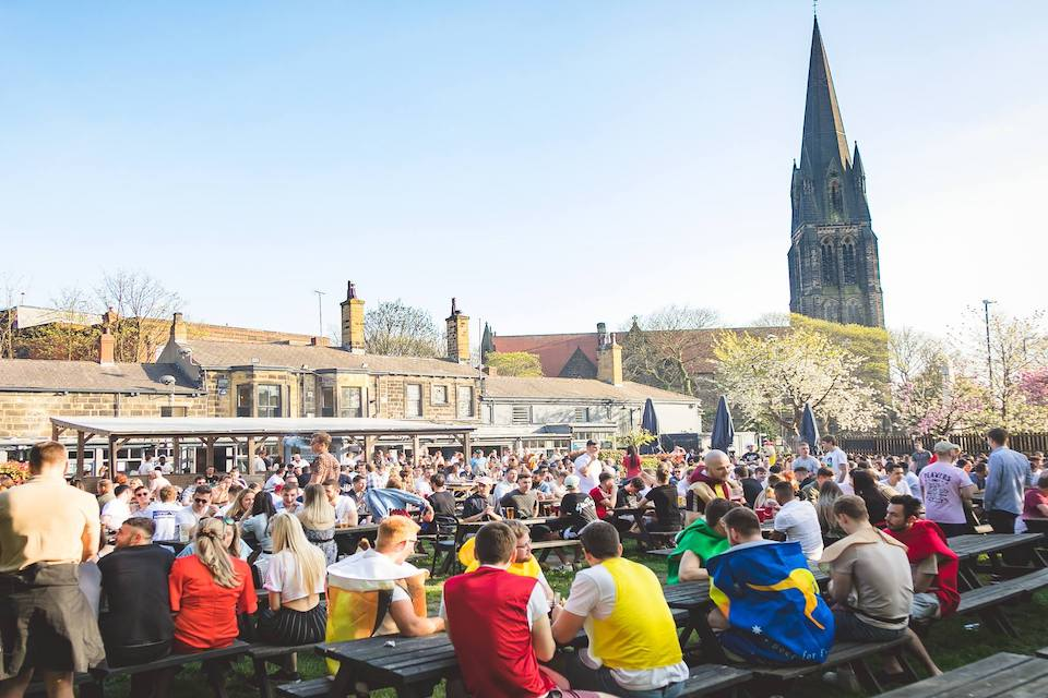 Original Oak Headingley - Best beer gardens in Leeds