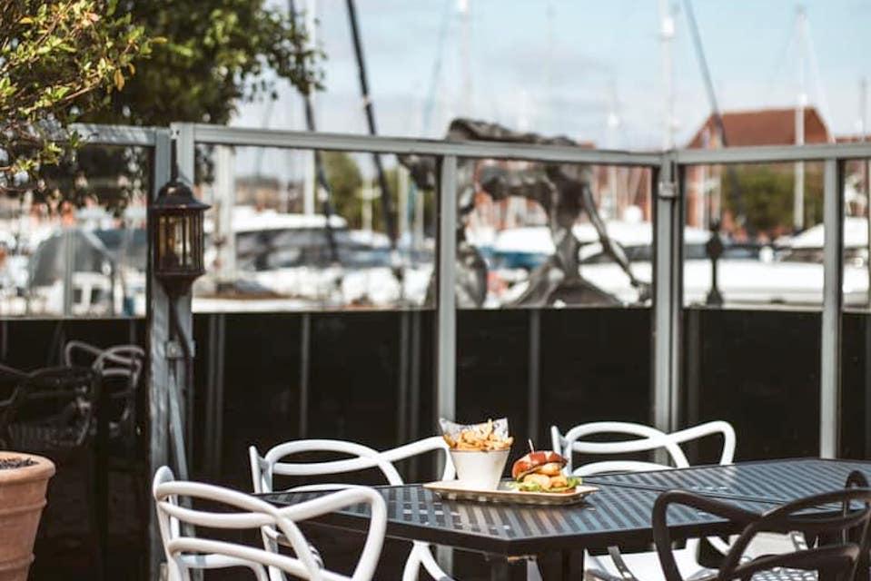 Solita Marina Hull Alfresco Dining