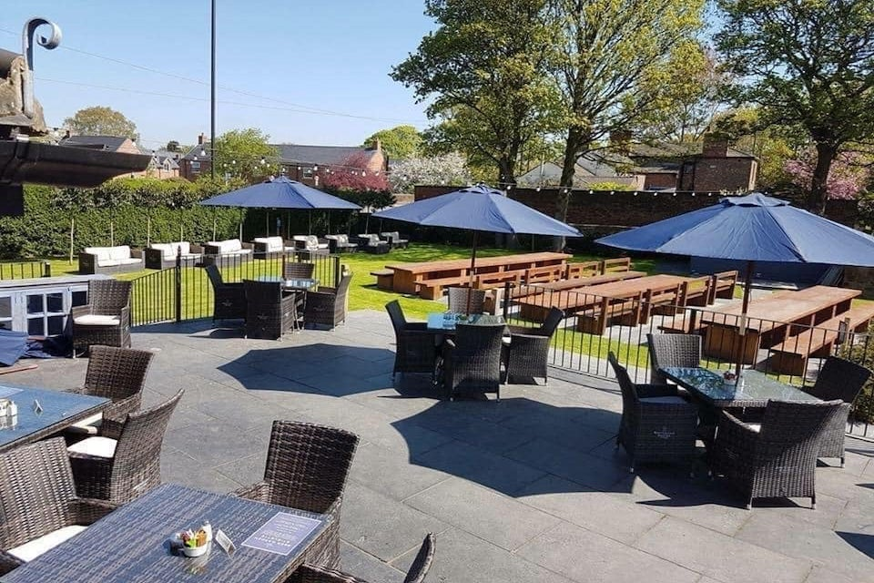 The Boundary House - Best beer gardens in Leeds