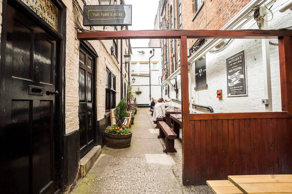 Turks Head - Best beer gardens in Leeds
