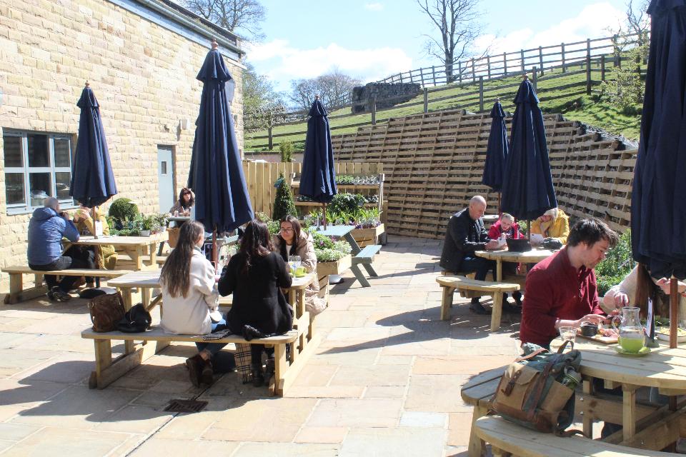Keelham Kitchen outdoor guests