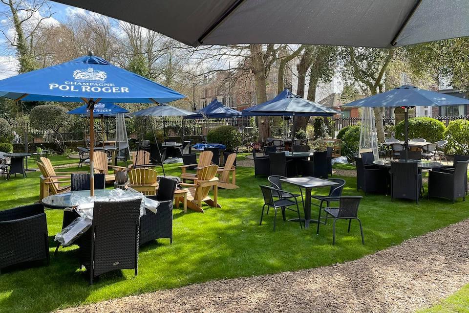 The Churchill Hotel - best beer gardens in York