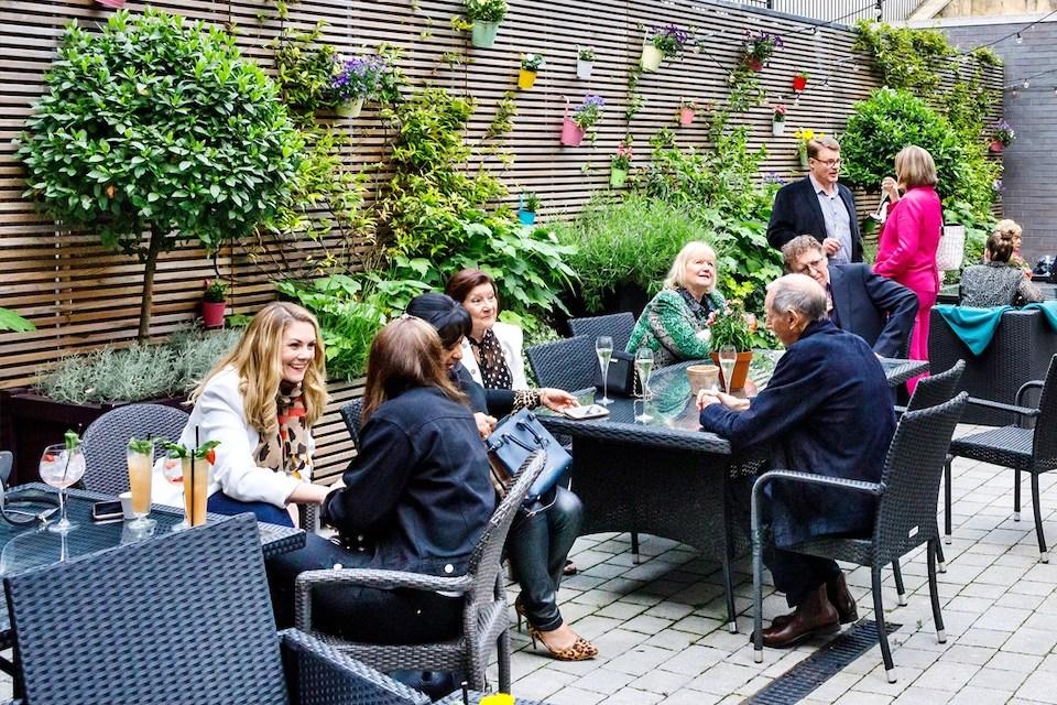 West Park Hotel & Bar - Best beer gardens in Harrogate