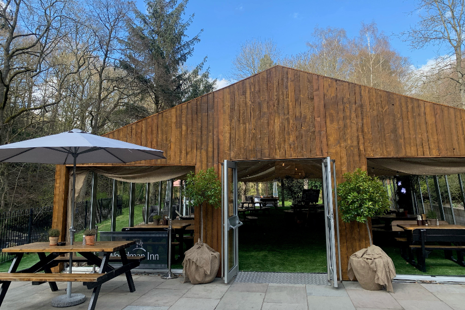 Woodman Inn Thunderbridge outdoor space