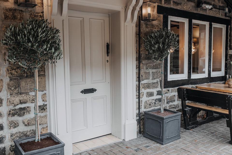 Woodman Inn Thunderbridge staycations