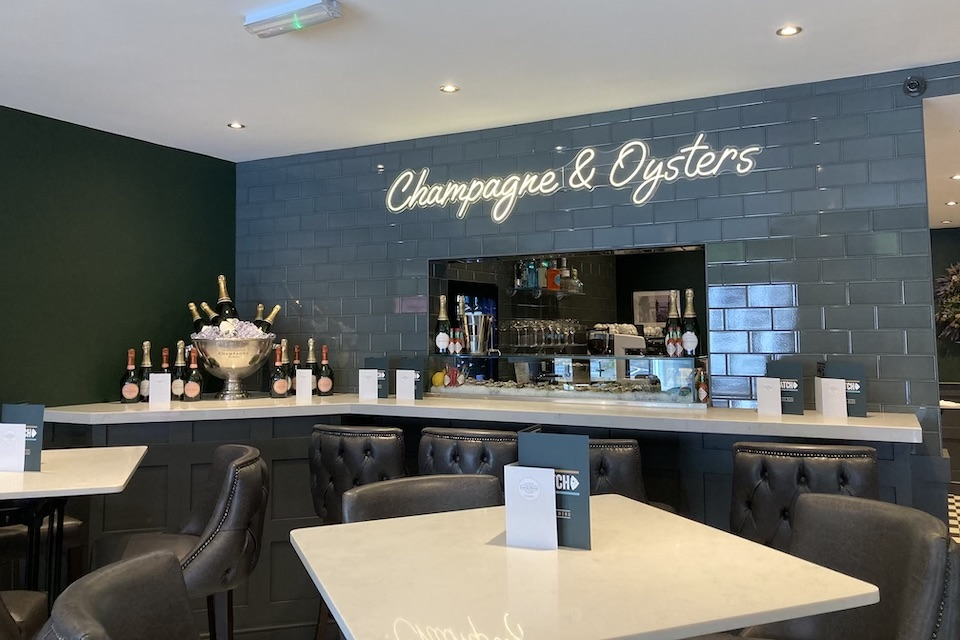 Catch - Champagne Bar
